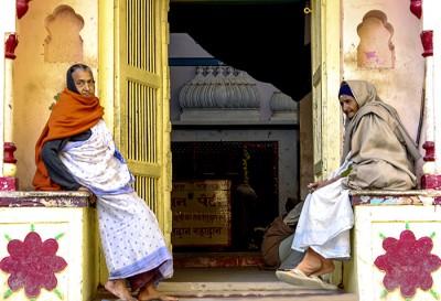 Widows - Vrindavin, India - Barbara Raisbeck Photography