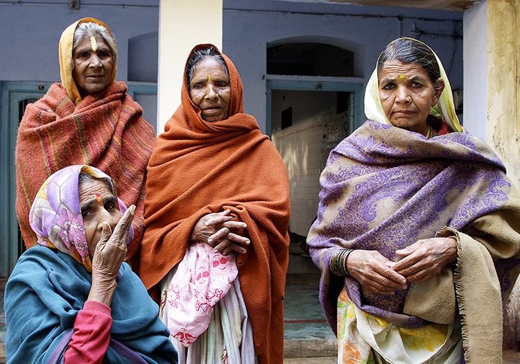 Widows - Vrindavin, India - Barbara Raisbeck Photography
