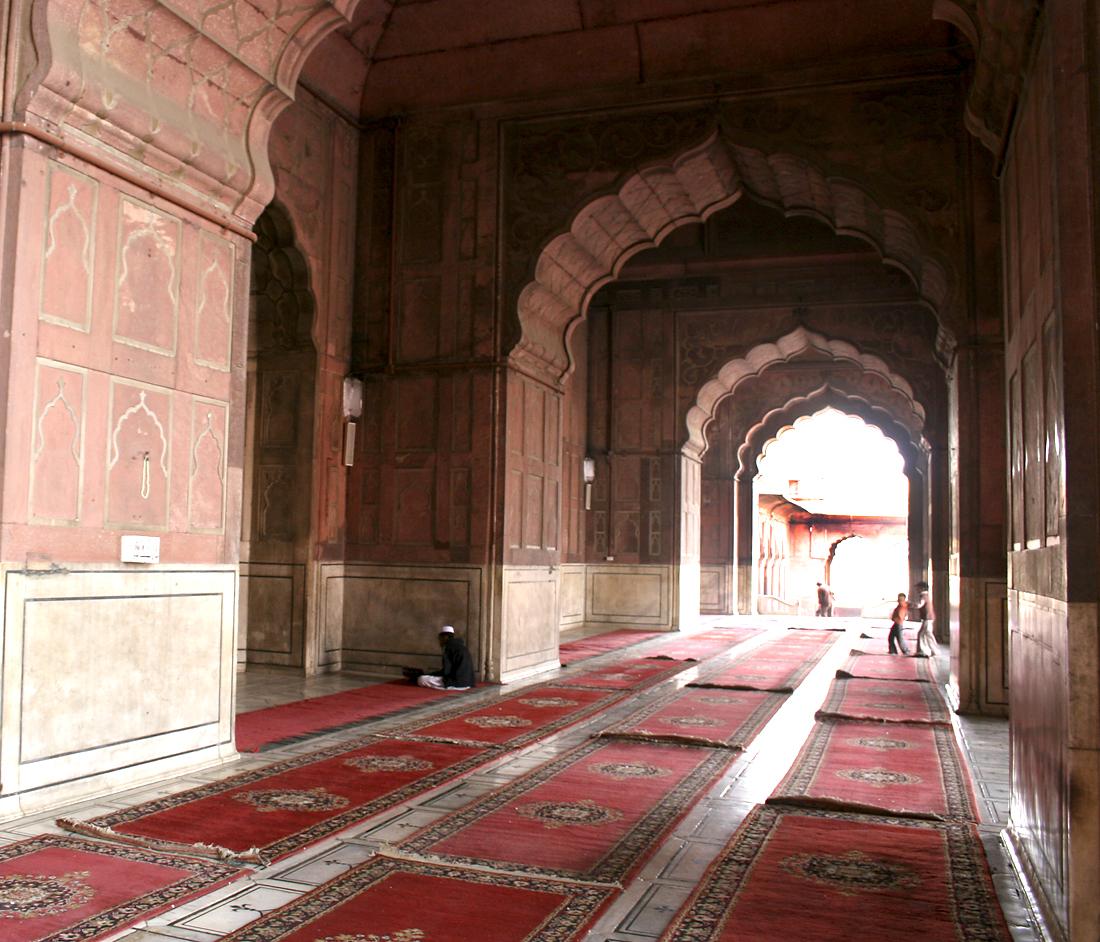 Mosque - New Delhi, India - Barbara Raisbeck Photography