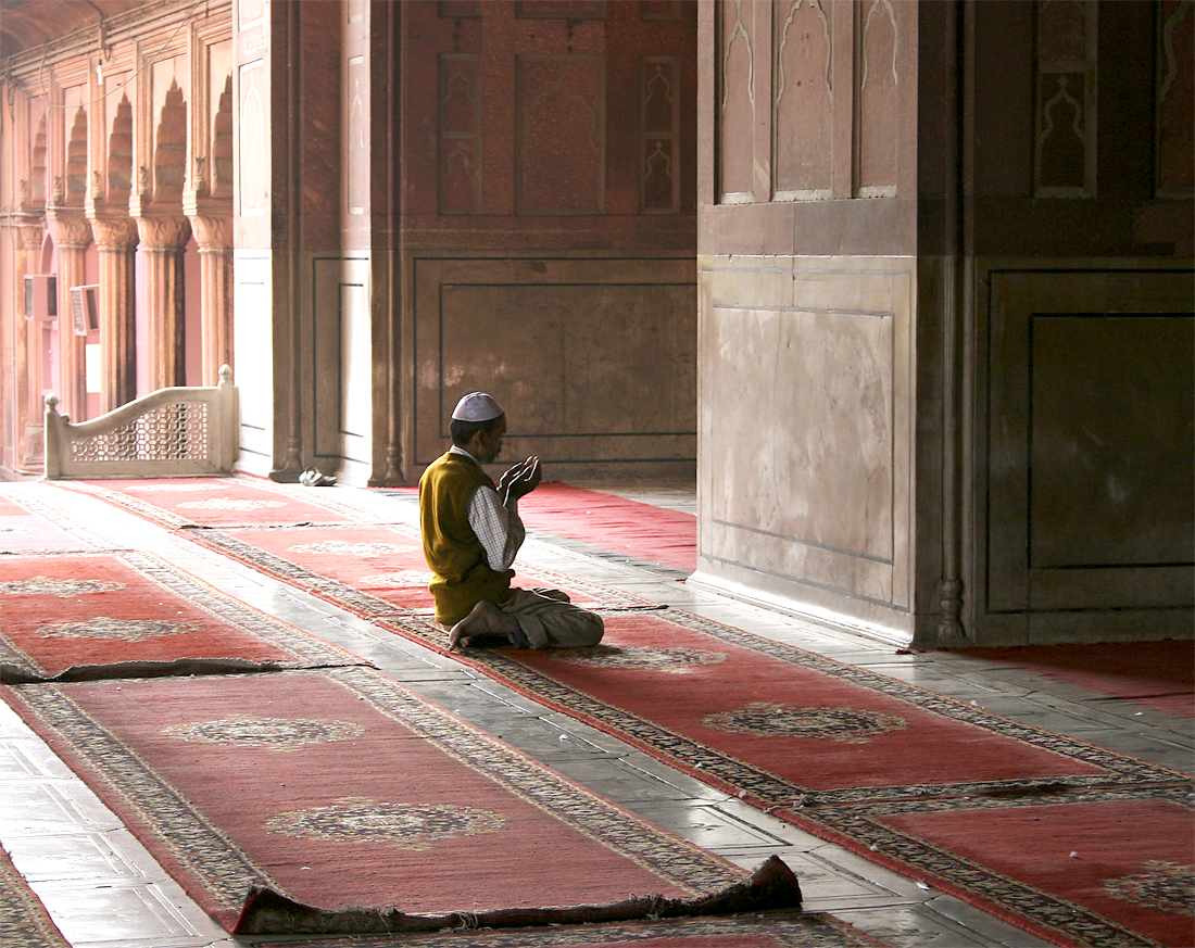 prayer - New Delhi, India - Barbara Raisbeck Photography